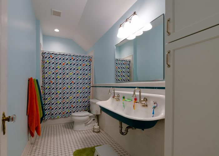 15-project-bootstrap_howard-avenue_8736
