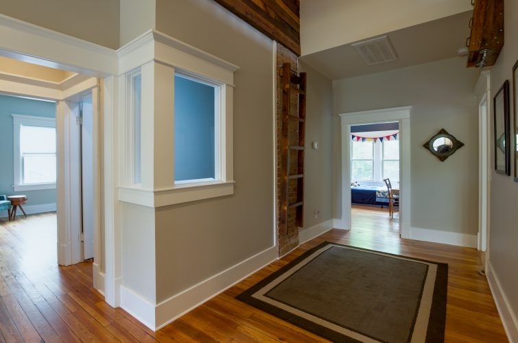 4-project-bootstrap_howard-avenue_8921