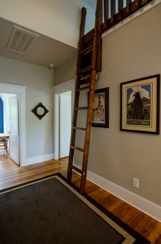5-project-bootstrap_howard-avenue_8873